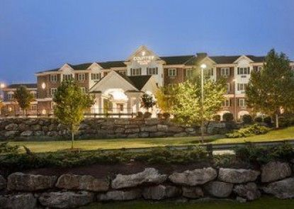 Country Inn & Suites By Carlson, Manchester Airport, NH