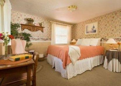 Country Willows Inn