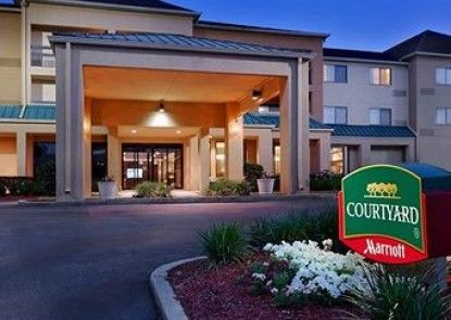 Courtyard by Marriott Mobile Teras