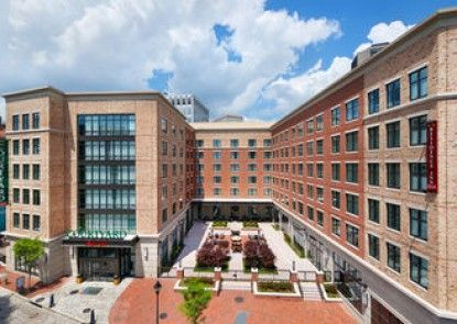 Courtyard by Marriott Richmond Downtown