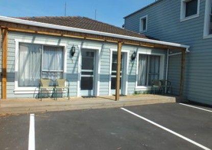Cranford Cottages And Motel