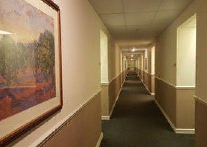 CrestView Suites