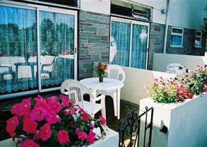 Crossways & Sea View Holiday Cottages