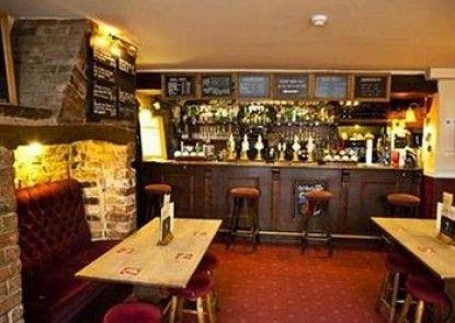 Crossways Inn