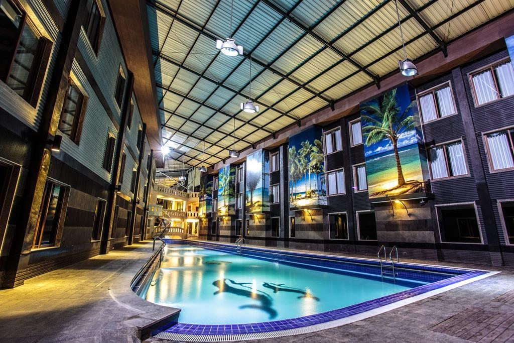 Crown Victoria Hotel, Tulungagung