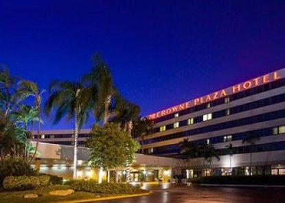 Crowne Plaza Miami International Airport Teras