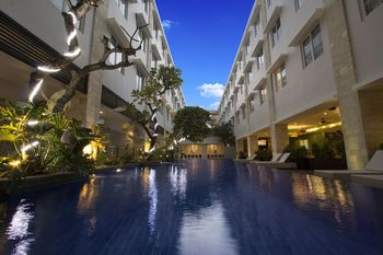 Crystal Kuta Hotel by Prabhu