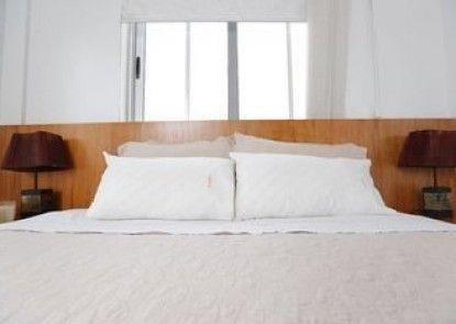 Cuddles Plus Apartments