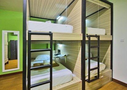 CX Hostel Bali Legian Kelod Kamar Tamu