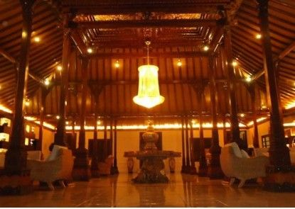 d\'Green Kayon Airport Hotel Solo Lobby