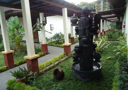 d\'Green Kayon Airport Hotel Solo Taman
