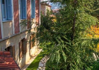 Dadi Parnassus Mansion