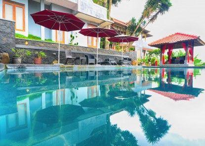 Dago Highland Resort Teras