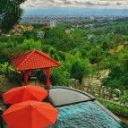https://cdn01.tiket.photos/img/business/d/a/business-dagohighlandresortampspa-hotel-bandung4505.sq3.jpg