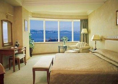 Dalian Harbour View Hotel Teras