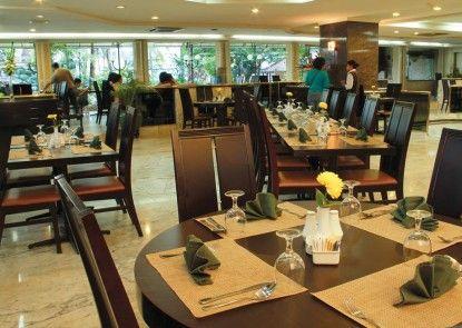 Danau Toba International Hotel Rumah Makan