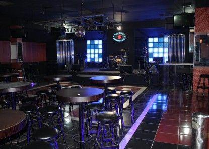 Danau Toba International Hotel Pub