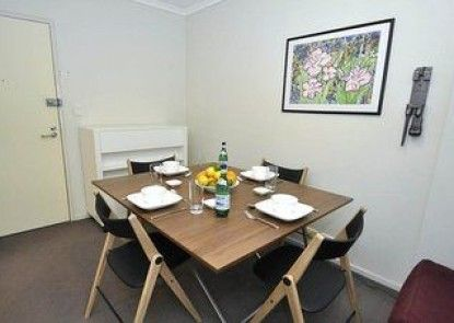 Darlinghurst 403 Pop Furnished Apartment