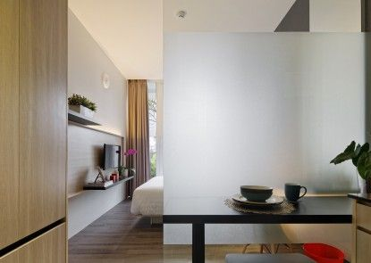 Daun Residence Ruang Makan