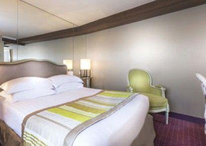 Dauphine Saint Germain Hotel