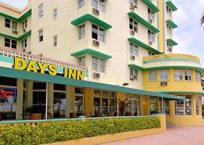 Days Inn and Suites Miami Beach Ocean Front Teras
