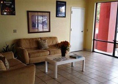 Days Inn Cocoa Cruiseport West At I-95/524