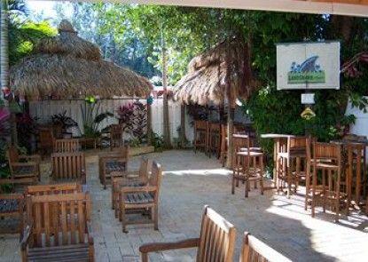 Days Inn Islamorada Oceanfront Resort Teras