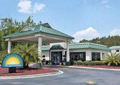 Days Inn Richmond Hill/Savannah Teras