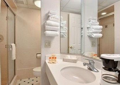 Days Inn and Suites Altamonte Springs