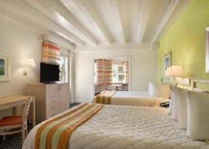 Days Inn and Suites Miami Beach Ocean Front