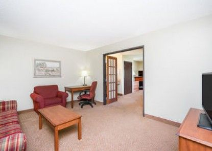 Days Inn and Suites Milford