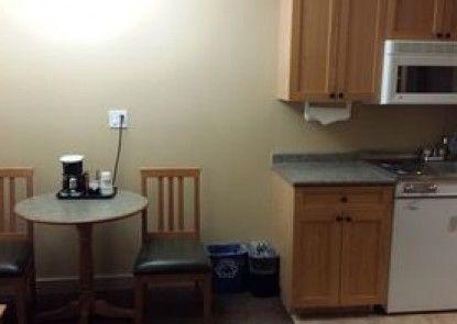 Days Inn and Suites - West Edmonton