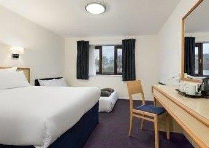 Days Inn Bridgend Cardiff M4