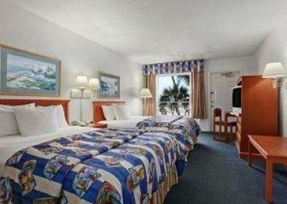 Days Inn Ormond Beach Mainsail Oceanfront