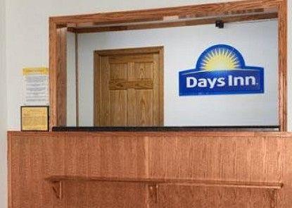 Days Inn Stoughton, WI