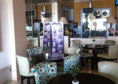 d Bugis Ocean Hotel Kafe