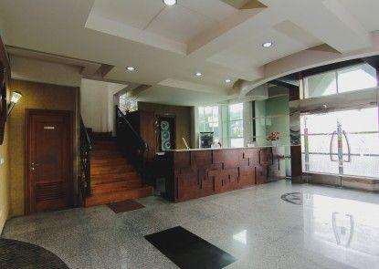 D Cokro Hotel & Resto Teras
