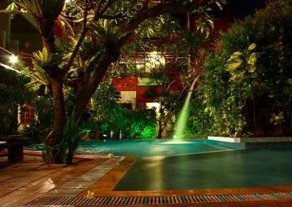 Green Garden Hotel & Spa Kolam Renang