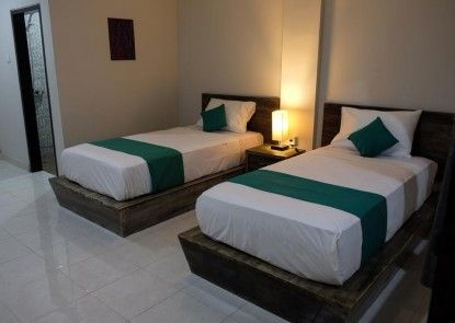 Delali Guest House Teras