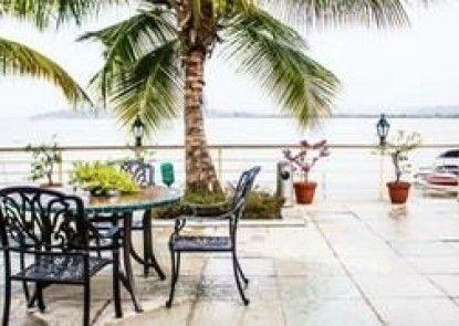 Deltin Palms Riverfront