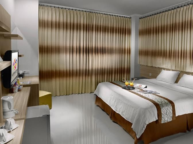 Maumu Hotel and Lounge,Genteng