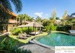 Pesan Kamar Deluxe di Villa Diana Bali