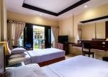 Pesan Kamar Deluxe Double or Twin Room di Champlung Mas Hotel