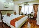 Pesan Kamar Deluxe Room di Grand Menteng Hotel