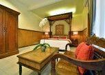 Pesan Kamar Deluxe Room di Puri Dewa Bharata Hotel and Villas