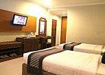 Pesan Kamar Deluxe Twin di Cakra Kembang Hotel