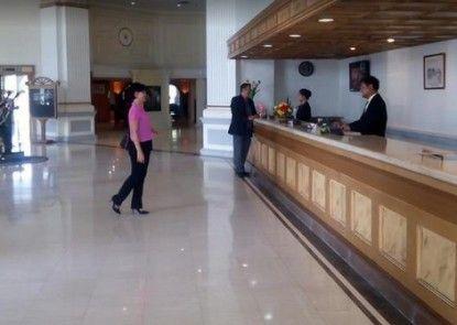 De Rivier Hotel Penerima Tamu