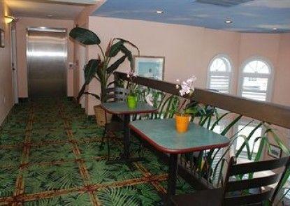 DeSoto Beach Hotel