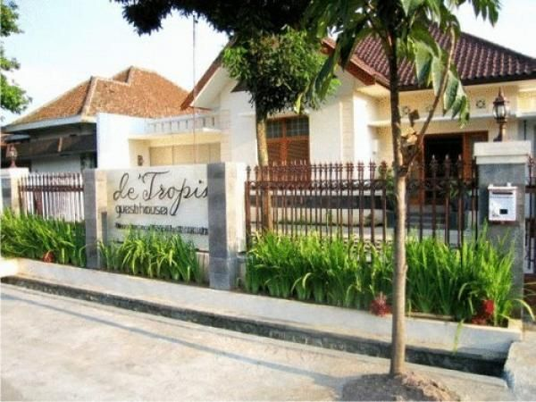 De Tropis Guest House, Bandung