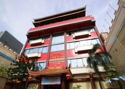 Dinasti Hotel Makassar Eksterior